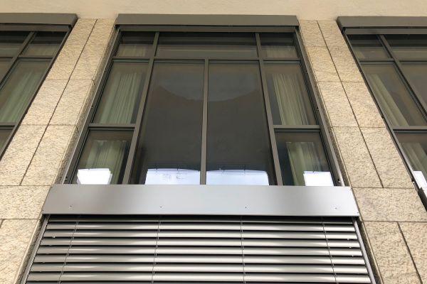 0003-oscuranti-e-serramenti-palazzo-regionale-011FB37FBFA-935D-6205-869F-1BB773B049B1.jpg