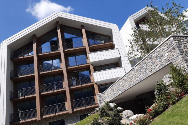 0002-serramenti-hotel-courmayeur-aosta-0025A6F4AFB-03A8-3A94-7F30-BDD83941B163.jpg