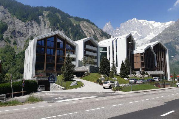 0002-serramenti-hotel-courmayeur-aosta-0170B5C07E6-A4AB-5D5D-176A-D8ECBAF9E783.jpg