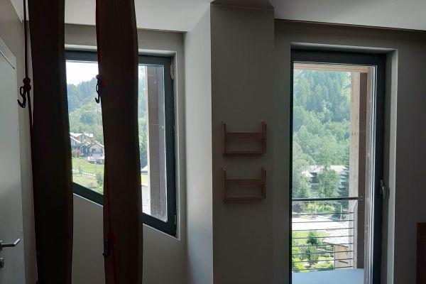 0002-serramenti-hotel-courmayeur-aosta-02677C5884B-386D-9711-BFCE-70685E093F22.jpg