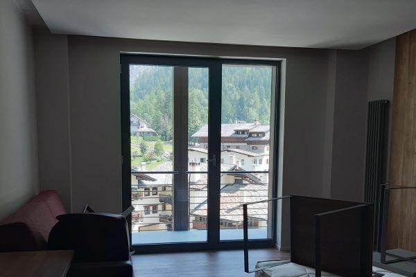 0002-serramenti-hotel-courmayeur-aosta-0334CF617E6-9247-B211-5B66-FEA9A3084026.jpg