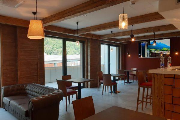 0002-serramenti-hotel-courmayeur-aosta-04984AF9BC4-204B-FB5A-1BA0-CF89AAFFEEAD.jpg
