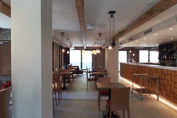 0002-serramenti-hotel-courmayeur-aosta-052F4C46A46-4C97-5828-0336-2B0B07B2A00D.jpg