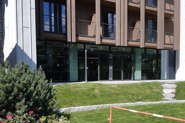 0002-serramenti-hotel-courmayeur-aosta-0581EA8A2B7-7EF6-80B7-0FB0-8A59AAF897D7.jpg