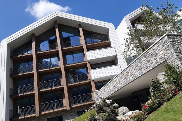0002-serramenti-hotel-courmayeur-aosta-068AB66B571-4687-6053-8777-D3003E18A1E7.jpg
