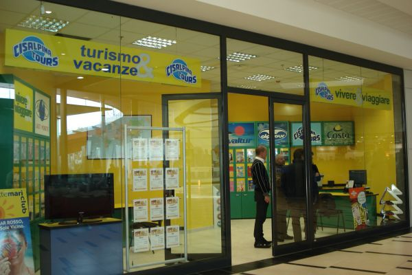 0007-centro-commerciale-il-gigante-rivarolo-torino-001BA85A5AE-D6FA-7703-A28F-E2E7B639C5F3.jpg